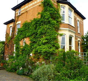 Laurel House Bed And Breakfast In Cheltenham Home